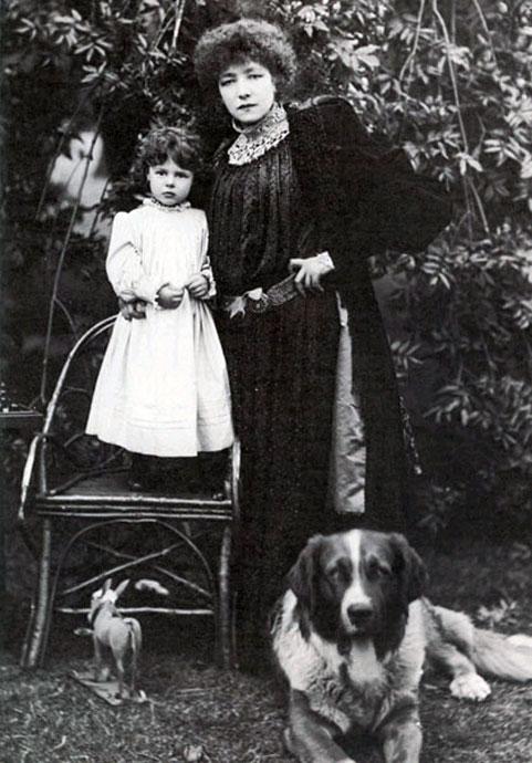 Сара с внучкой