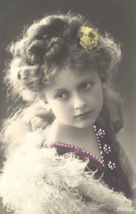 Анна-Герман-в-детстве-191x300